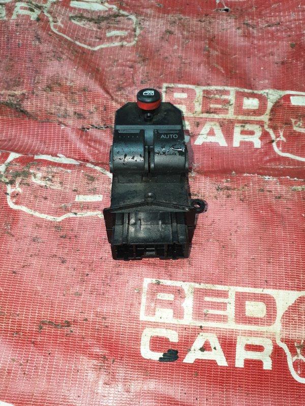 Блок упр. стеклоподьемниками Honda Mobilio Spike GK2-1107642 L15A 2005 передний правый (б/у)
