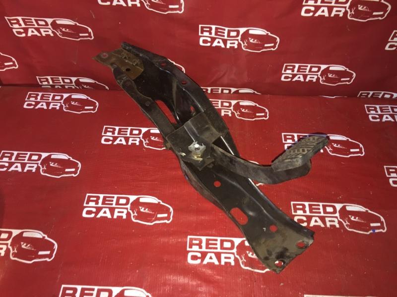 Педаль тормоза Mazda Bongo SD29M-402356 R2 1993 (б/у)