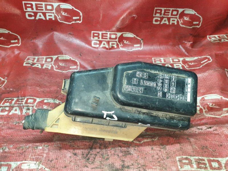 Блок предохранителей под капот Toyota Raum EXZ10 EXZ15 (б/у)