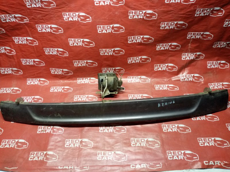 Накладка 5-й двери Toyota Hiace KZH106 (б/у)