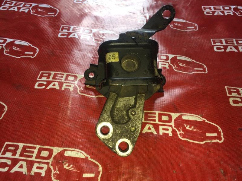 Подушка двигателя Toyota Spacio NZE121-3229404 1NZ-A964237 2003 правая (б/у)