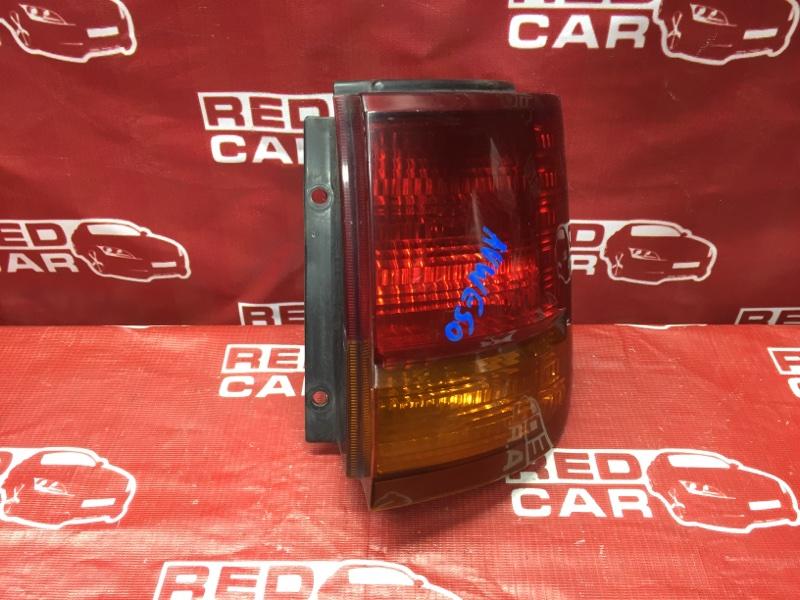 Стоп-сигнал Nissan Elgrand AVWE50-010398 QD32-035887A 1997 правый (б/у)