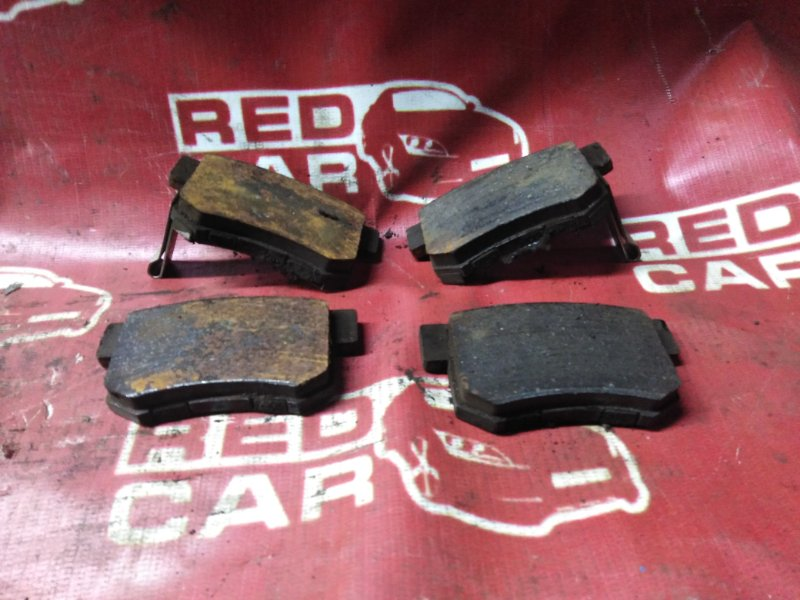 Тормозные колодки Honda Stepwgn RF2-1024704 B20B-3076568 1996 заднее (б/у)