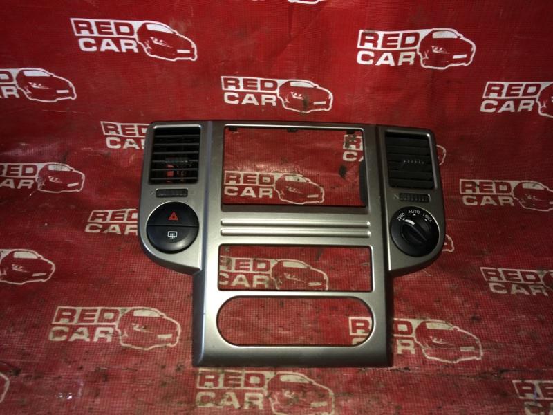 Центральная консоль Nissan X-Trail NT30-155511 QR20-588664A 2000 (б/у)