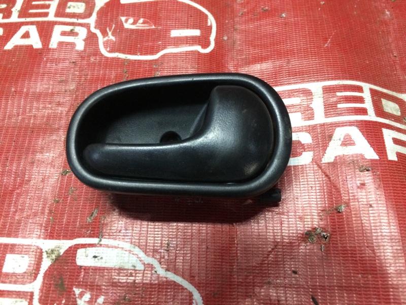 Ручка двери внутренняя Mazda Demio DW3W-147186 B3-489336 1997 задняя правая (б/у)