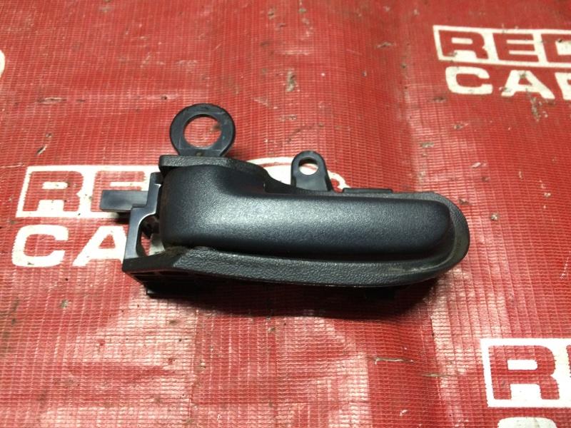 Ручка двери внутренняя Toyota Funcargo NCP21-0058149 1NZ-A585694 2002 передняя левая (б/у)