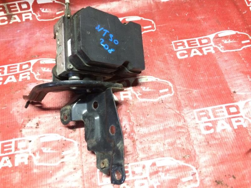 Блок abs Nissan X-Trail NT30-155511 QR20-588664A 2000 (б/у)