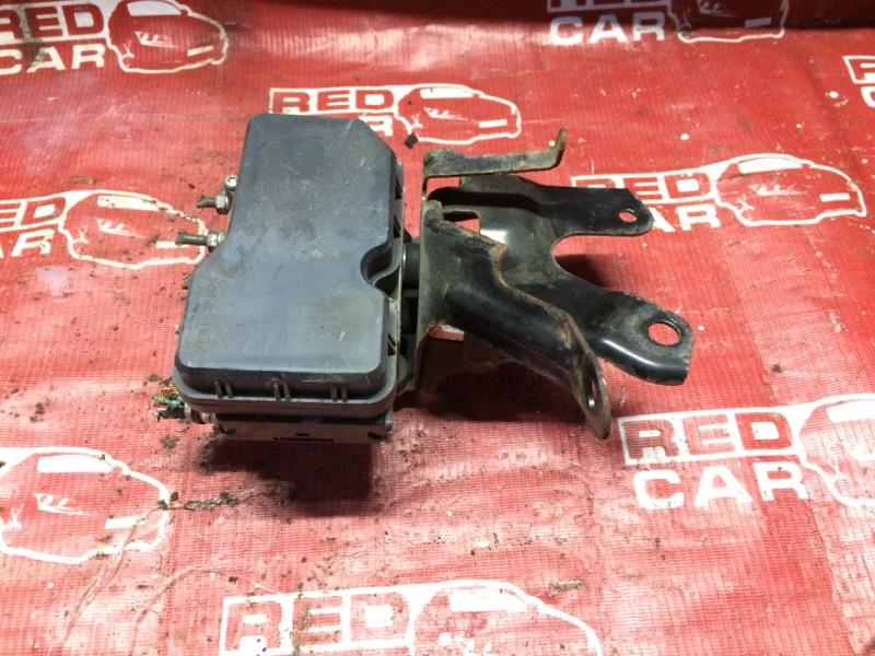 Блок abs Toyota Ractis NSP120-2009788 1NR 2011 (б/у)