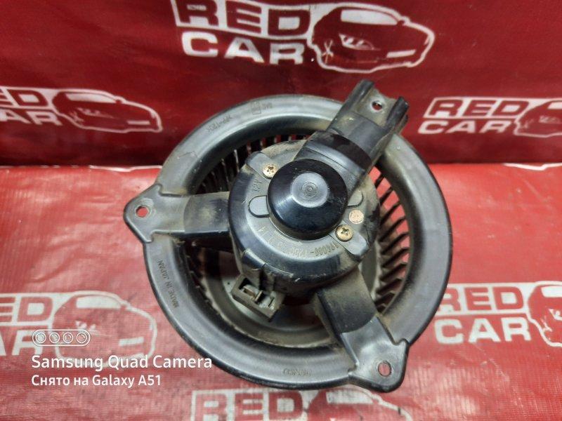 Мотор печки Toyota Ist NCP61-0007975 1NZ-2300529 2002 (б/у)