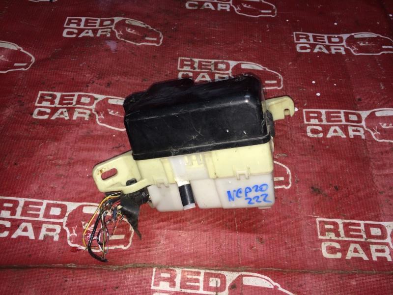 Блок предохранителей Toyota Funcargo NCP20-0222182 2NZ-2068157 2001 (б/у)
