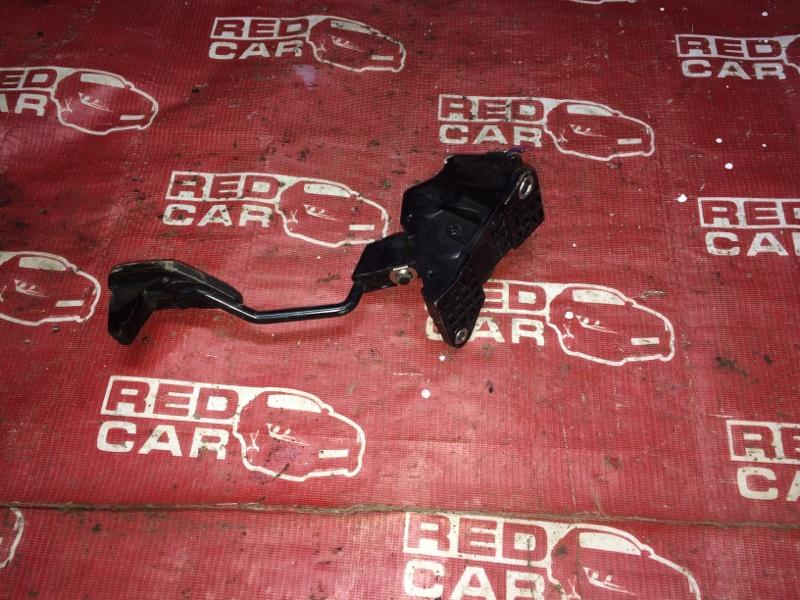 Педаль газа Toyota Ractis NSP120-2009788 1NR 2011 (б/у)