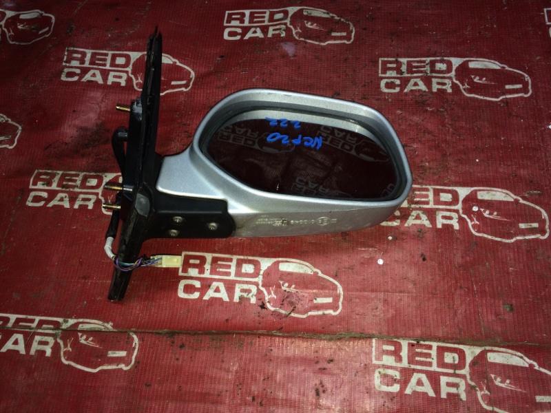 Зеркало Toyota Funcargo NCP20-0222182 2NZ-2068157 2001 правое (б/у)