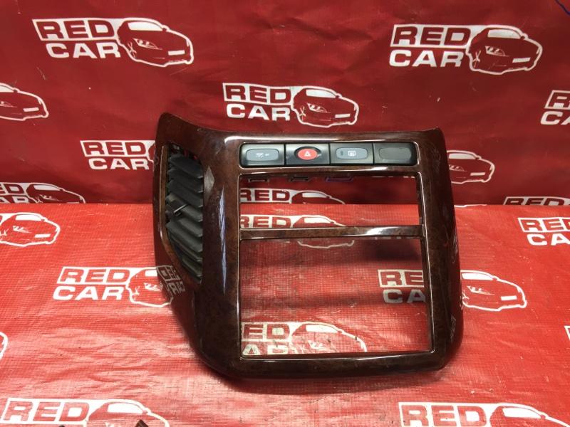 Центральная консоль Nissan Elgrand AVWE50-010398 QD32-035887A 1997 (б/у)