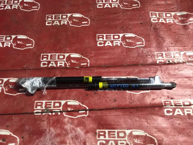 Амортизатор задней двери Toyota Ractis NSP120-2009788 1NR 2011 (б/у)