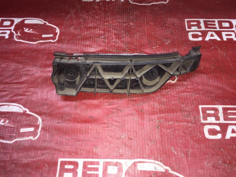 Крепление бампера Toyota Spacio NZE121-3229404 1NZ-A964237 2003 заднее правое (б/у)