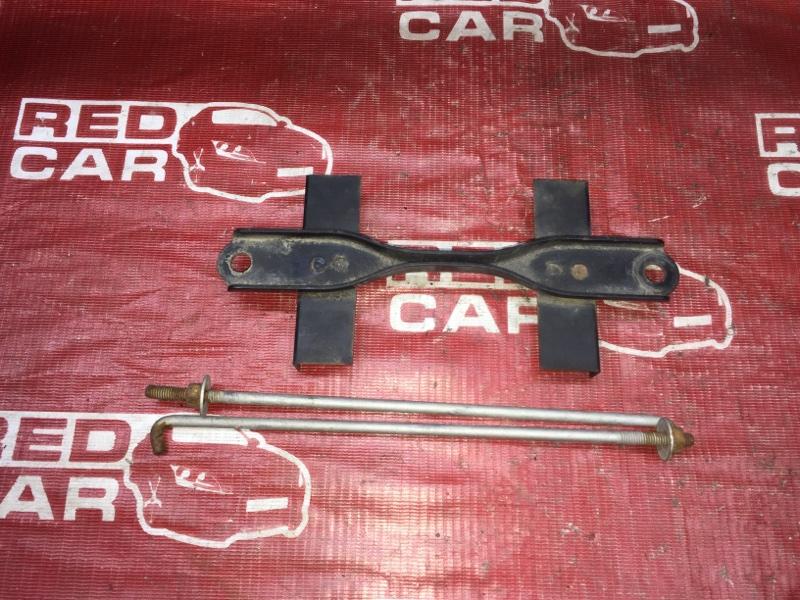 Крепление аккумулятора Toyota Funcargo NCP21-0058149 1NZ-A585694 2002 (б/у)