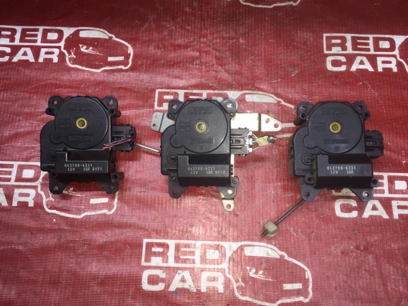 Сервопривод заслонок печки Toyota Ipsum SXM15-0016323 3S-2171648 1996 (б/у)