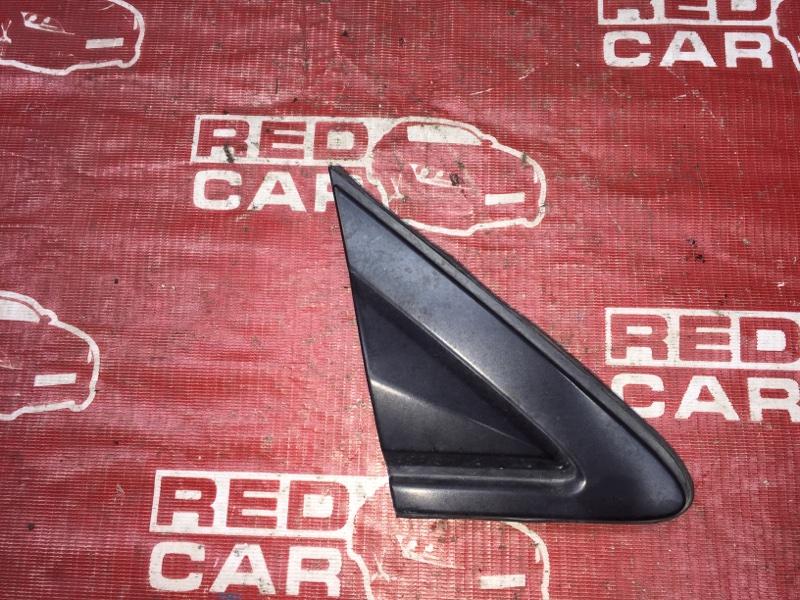 Уголок крыла Toyota Ipsum SXM15-0016323 3S-2171648 1996 правый (б/у)
