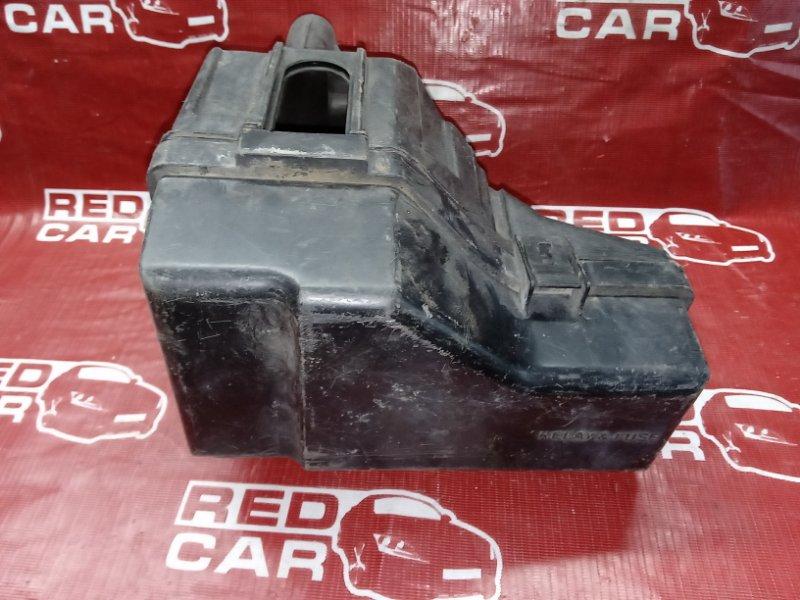 Блок предохранителей под капот Toyota Rav4 ACA21-0014744 1AZ-FSE 2000 (б/у)