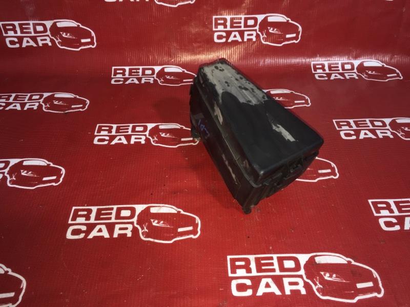 Блок предохранителей под капот Honda Fit GD1-1135427 L13A 2002 (б/у)