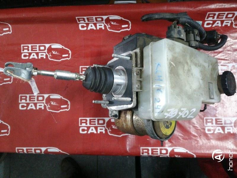 Главный тормозной цилиндр Toyota Grand Hiace KCH16-0025168 1KZ 1999 (б/у)