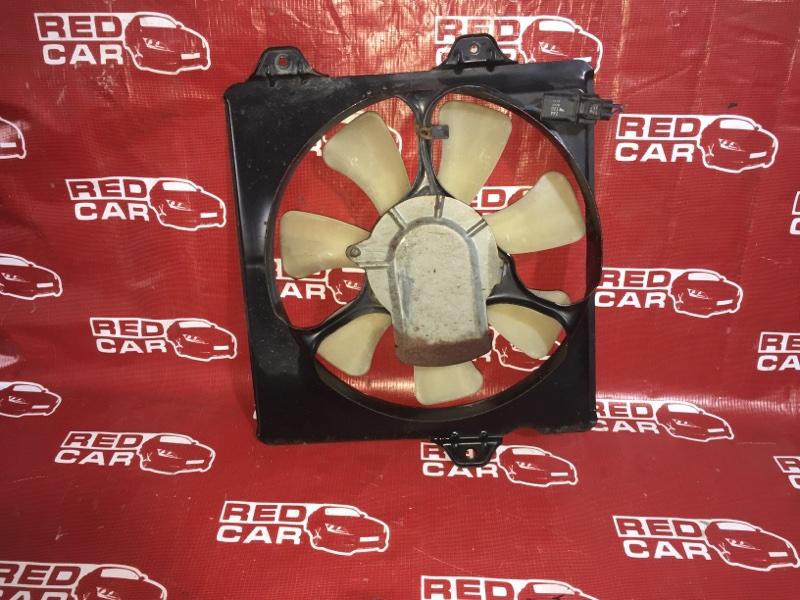 Диффузор радиатора Toyota Corona Premio ST215-0001688 3S-6951111 1996 правый (б/у)
