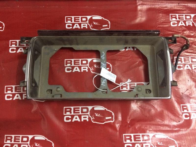 Рамка для номера Toyota Mark Ii GX81 (б/у)