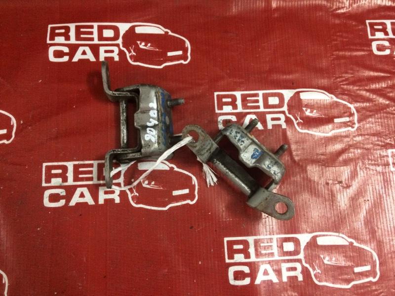 Петля двери Nissan Cefiro PA32 задняя левая (б/у)