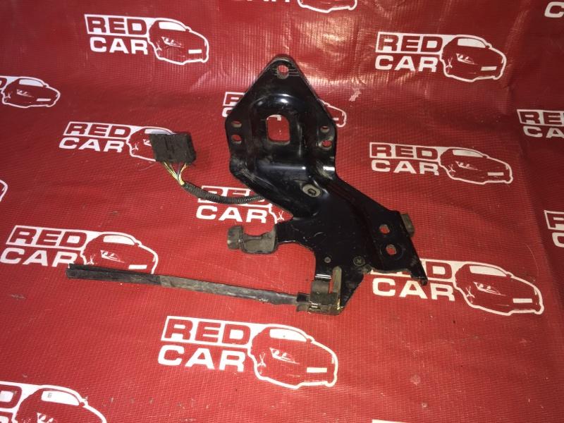 Ролик раздвижной двери Honda Mobilio Spike GK2-1107642 L15A 2005 левый (б/у)