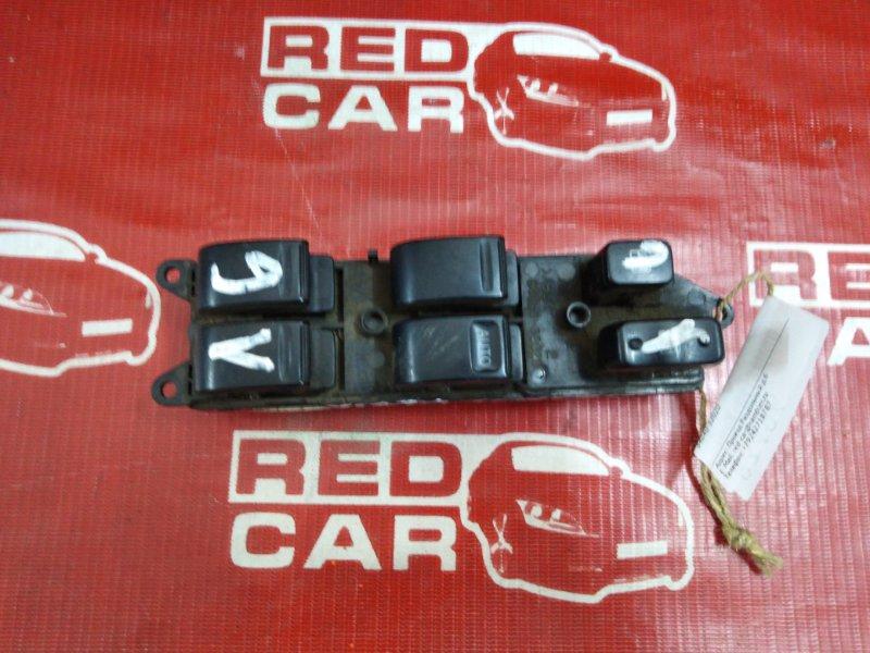 Блок упр. стеклоподьемниками Toyota Camry SV43 правый (б/у)