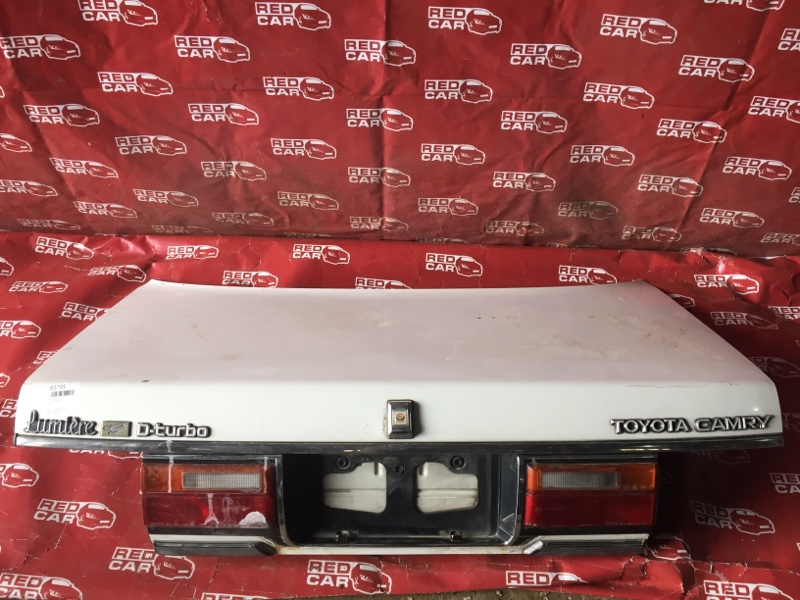 Крышка багажника Toyota Camry CV20 (б/у)