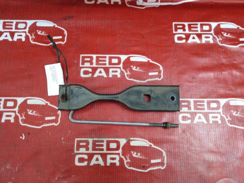 Крепление аккумулятора Honda Civic EU1-1026790 D15B-3637907 2001 (б/у)