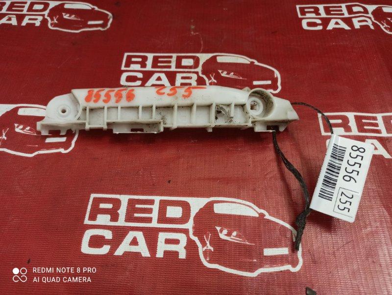 Крепление бампера Toyota Vitz KSP90-5057608 1KR-0247076 2006 переднее правое (б/у)
