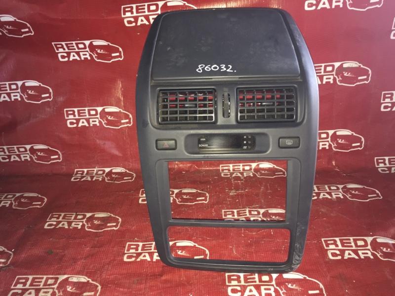 Центральная консоль Toyota Ipsum SXM15-0030079 3S-2286029 1997 (б/у)