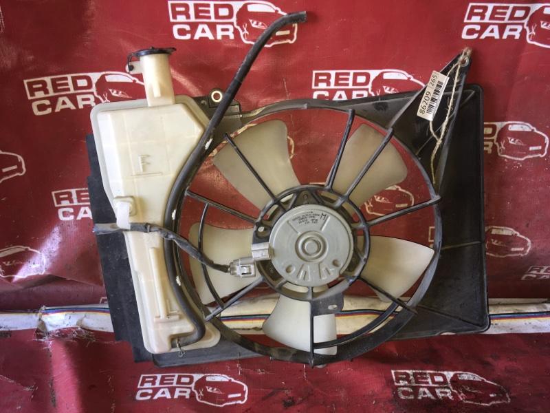 Диффузор радиатора Toyota Porte NNP11-5016639 1NZ-C636436 2007 (б/у)