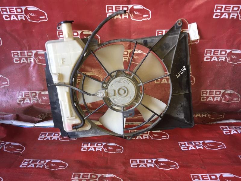 Диффузор радиатора Toyota Probox NCP55-0052818 1NZ-C602722 2007 (б/у)