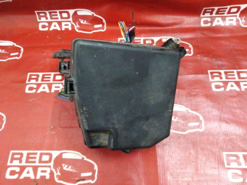 Блок предохранителей под капот Toyota Vitz KSP90-5057608 1KR-0247076 2006 (б/у)