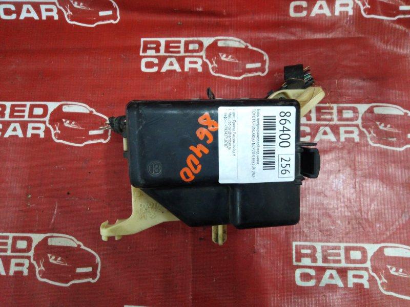 Блок предохранителей под капот Toyota Funcargo NCP20-0368203 2NZ-3552568 2004 (б/у)