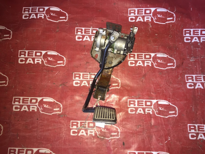 Педаль газа Nissan Bluebird SU14-105853 CD20-752972X 1999 (б/у)