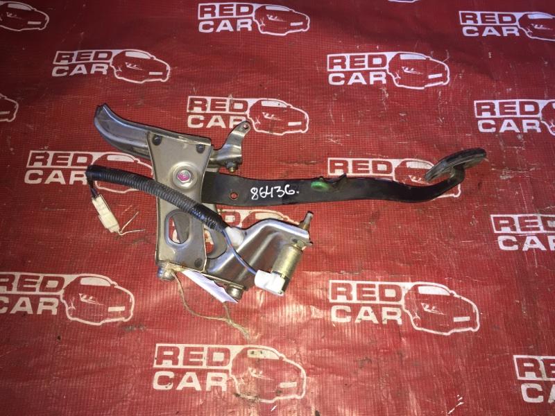 Педаль сцепления Toyota Vitz SCP10 (б/у)