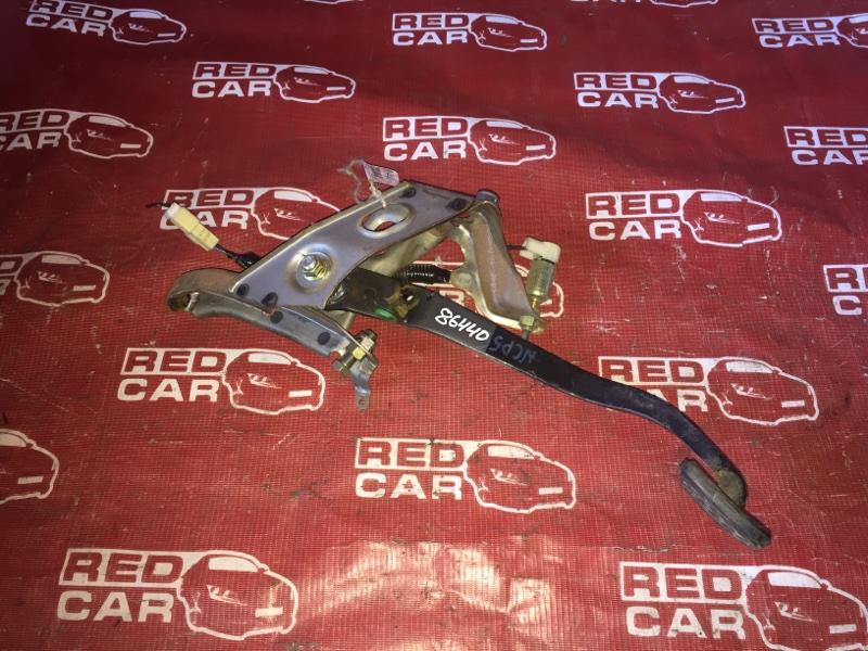 Педаль сцепления Toyota Probox NCP51 (б/у)