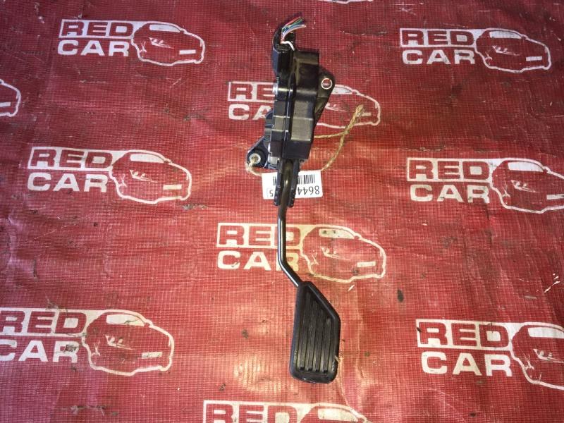 Педаль газа Toyota Vitz KSP90-5057608 1KR-0247076 2006 (б/у)