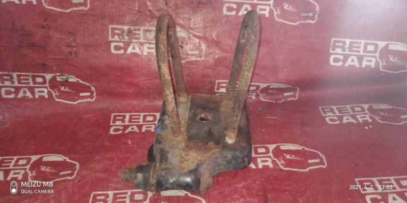 Стремянка рессоры Toyota Hiace LH178-1006534 5L-5118674 2001 задняя правая (б/у)