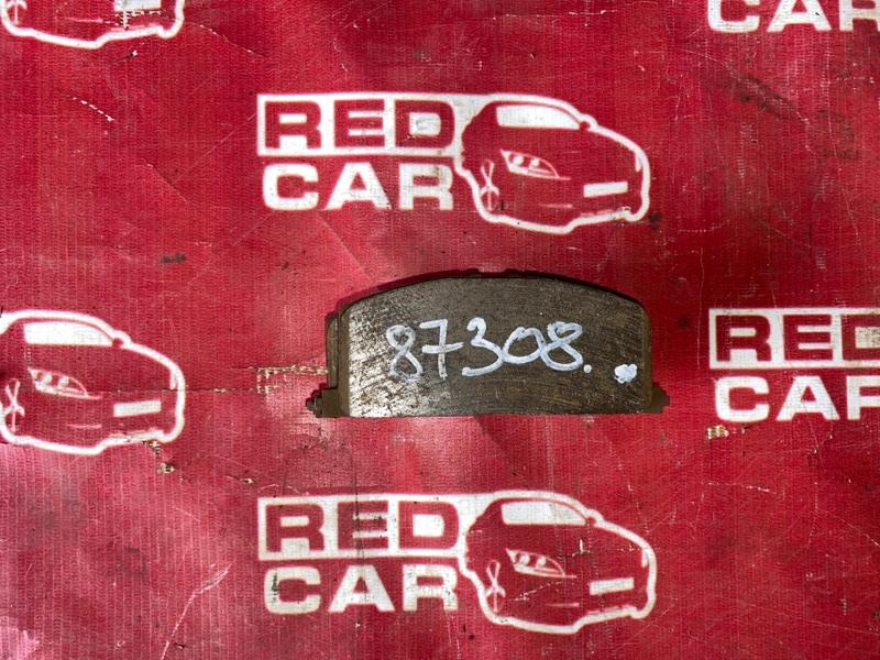 Тормозные колодки Toyota Corolla Spacio AE111 переднее (б/у)