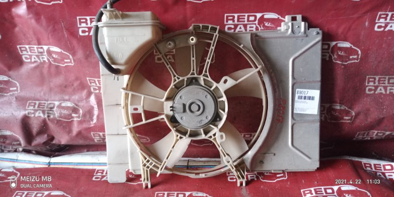 Диффузор радиатора Toyota Vitz KCP90 1KR (б/у)