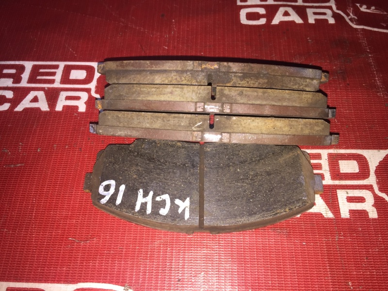 Тормозные колодки Toyota Grand Hiace KCH16-0025168 1KZ 1999 переднее (б/у)