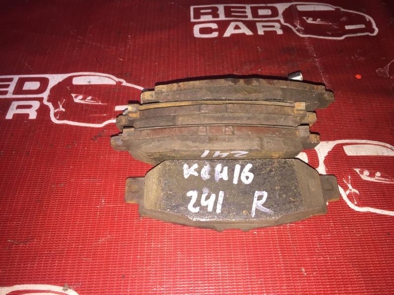 Тормозные колодки Toyota Grand Hiace KCH16-0025168 1KZ 1999 заднее (б/у)