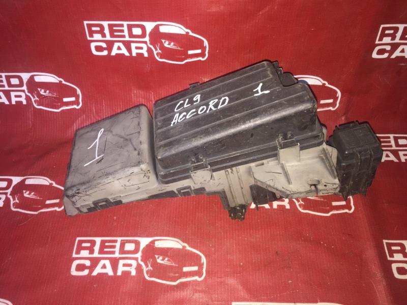 Блок предохранителей под капот Honda Accord CM3 K24A (б/у)