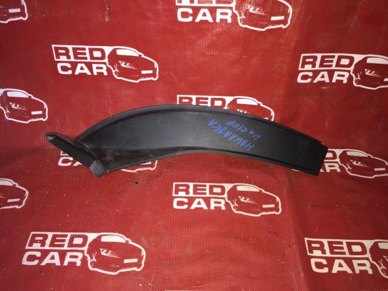 Накладка на стоп-сигнал Nissan Tiida NC11-102739 HR15 2004 правая (б/у)