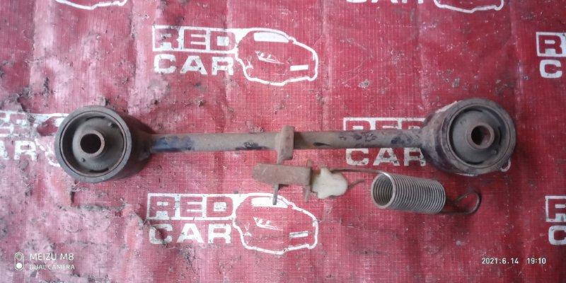 Тяга продольная Toyota Hiace KZH106 задняя левая (б/у)